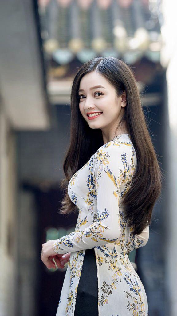 Vietnamese Women Dating - Start Your Love Story with These